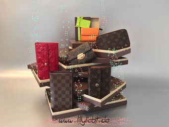 Louis Vuitton Epi Ludlow in Mandarine, Louis Vuitton Monogram Vernis Sarah in Pomme D'Amour, Louis Vuitton Monogram Etoile Compact, Louis Vuitton Monogram Canvas Compact Zippy, Louis Vuitton Damier Ebene Brazza, Louis Vuitton Monogram Canvas Alexandra