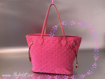 Louis Vuitton Monogram Applique Neverfull MM in Rose