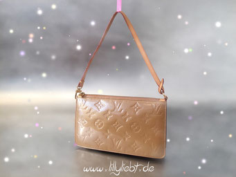 Louis Vuitton Monogram Vernis Lexington Pochette in Noisette