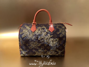 Louis Vuitton Monogram Dentelle Speedy 30 in Gold