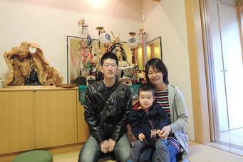中田さんご家族。 愛児 智哉君3才