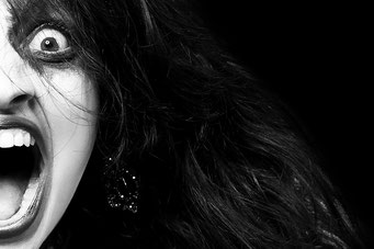"""MJGdesign - """"Mein Bild - Deine Bildbearbeitung"""" - Bildbearbeitung: Manuela Jahn-Günther Fotograf: Dirk Ludwig https://www.facebook.com/dirk.ludwig.fotografie/ Model: Michelle https://www.facebook.com/fotomodel.michelle/ Styling/ Painting: Susanne Esser"""
