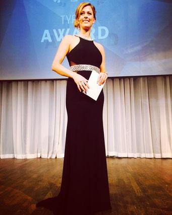 Galamoderatorin Maxi Sarwas beim TYPO3 Award