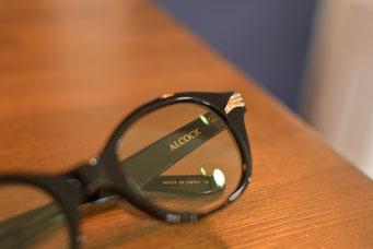 フレーム:GROOVER ALCOCK C-12 税抜28,000円 レンズ:Ito Lens 1.60薄型非球面カラーレンズ 税抜13,000円  仕上がり価格 税抜41,000円