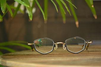 フレーム:VioRou Masaaki 税抜31,000円 レンズ:Ito Lens 1.74両面非球面レンズ 税抜22,000円(税抜)→サービス価格:税抜15,000円 仕上がり価格 税抜46,000円