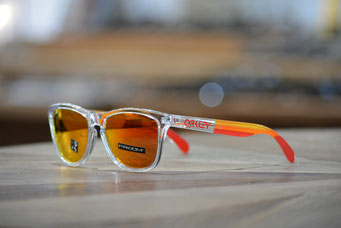 FROGSKINS (フロッグスキン) GRIPS COLLECTION  POLISHED CLEAR・PRIZM RUBY 税抜¥18,000円