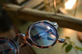 フレーム:GROOVER PROTON C-6 税抜29,000円 レンズ:Ito Lens 1.60薄型球面ネオコントラストレンズ 税抜23,000円 仕上がり価格 税抜52,000円