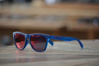 FROGSKINS (フロッグスキン) MATTE BLUE WOODGRAIN・TORCH IRIDIUM 税抜¥19,000円
