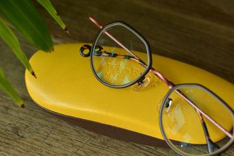 フレーム:VioRou Atsushi 税抜31,000円 レンズ:Ito Lens 1.74両面非球面レンズ 税抜22,000円(税抜)→サービス価格:税抜15,000円 仕上がり価格 税抜46,000円