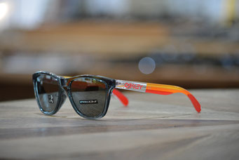 FROGSKINS (フロッグスキン) GRIPS COLLECTION  CRYSTAL BLACK・PRIZM BLACK IRIDIUM 税抜¥18,000円