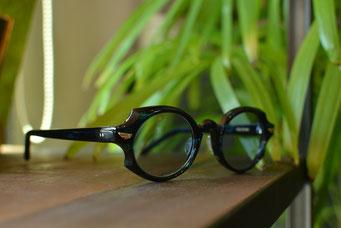 フレーム:GROOVER PROTON C-9 税抜29,000円 レンズ:Ito Lens 1.60薄型内面非球面カラーレンズ 税抜20,000円 仕上がり価格 税抜49,000円