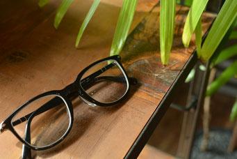 フレーム:Persol PO3240  税抜25,100円 レンズ:HOYA 1.60薄型非球面レンズ 税抜8,000円 仕上がり価格 税抜33,100円