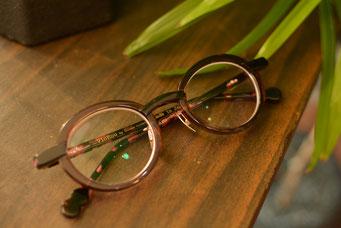 フレーム:VioRou Haru 税抜37,000円 レンズ:Ito Lens 1.74両面非薄型レンズ 税抜22,000円(税抜)→サービス価格:税抜15,000円 仕上がり価格 税抜52,000円