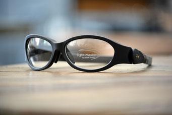 Vector DL (ベクターDL) バランスに優れ、重量、遮光性、視野角といった要素を高い次元でクリアしたモデル。  ブラック(マット) 8カーブ 税抜21,000円
