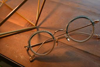 フレーム:VioRou Keizo-CB 税抜39,000円 レンズ:Ito Lens 1.67 アクロライトネッツッペックコート カラ-  税抜35,000円 仕上がり価格 税抜74,000円