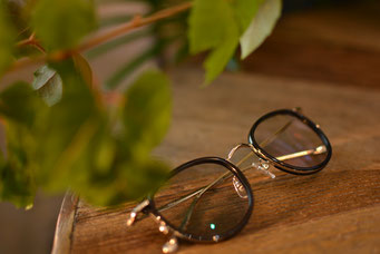 NEW. ROY C-Black  税抜12,000円  レンズ:Ito Lens 1.60薄型非球面レンズ LCDカラー 税抜13,000円 仕上り価格 税抜25,000円
