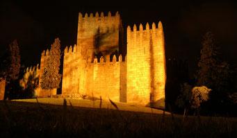 PORTUGAL - CASTELO DE GUIMARAES