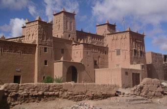 KASBAH *AMERHIDIL* IN *SKOURA* zwischen Tinehir und Ouarzazate