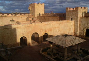 FILMBURG ZU DEM FILM KINGDOM OF HEAVEN IN DEN CLA-STUDIOS IN OUARZAZATE