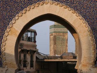 KÖNIGSTADT *FES* ... Das blaue Tor *Bab Bou Jeloud* aus dem 7. Jh. ... der Eingang zur Altstadt