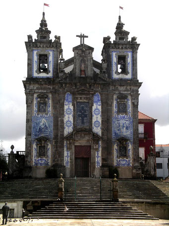 PORTUGAL / PORTO - BAROCKKIRCHE SANTO ILDEFONSO MIT AZULEJOS