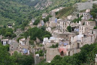2007 GEISTERSTADT *GAIRO* ... 1950 wurde die Stadt durch einen Erdrutsch zerstört