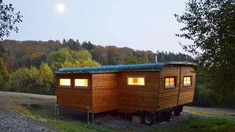 Tagen im Grünen, Konferenzwagen. Bild: Baumhaushotel Solling.