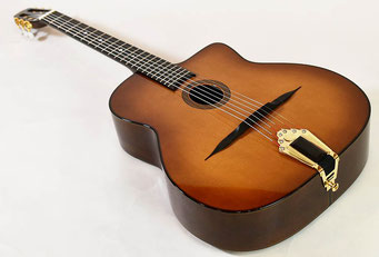 ALD Guitars (Made in France) Model Original WALNUT O-val hole