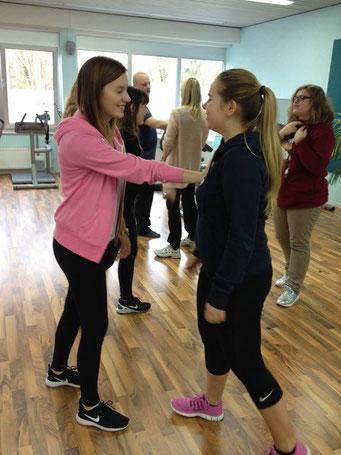 Ladiesfirst Hamm Selbstverteidigung für Frauen: Abwehrhaltung 4