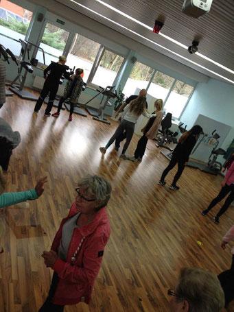 Ladiesfirst Hamm Selbstverteidigung für Frauen: Wegschubsen in der Praxis