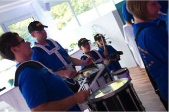 Ladiesfirst Hamm Clubgeburtstag und Neueröffnung mit Trommeln