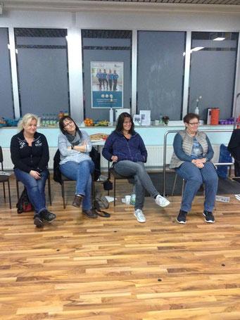 Ladiesfirst Hamm Selbstverteidigung für Frauen: interessiertes Zuschauen