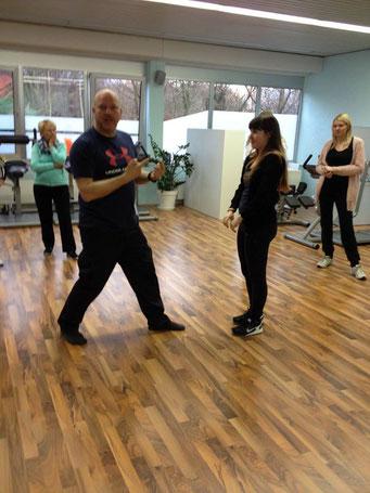 Ladiesfirst Hamm Selbstverteidigung für Frauen: Mitmachen bei den Übungen