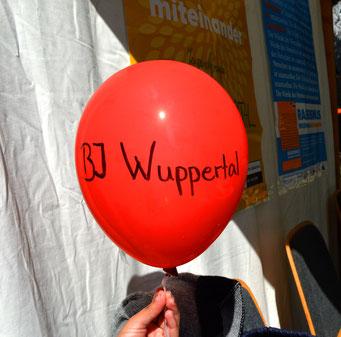 Auch ein Heliumballon für unseren Stand haben wir gemacht.