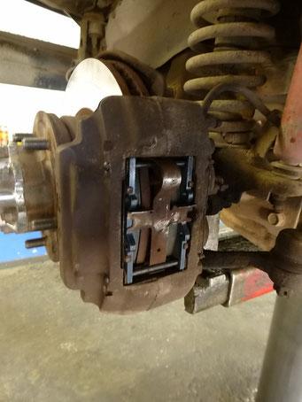 Die Bremsbeläge unseres Gefährts müssen gewechselt werden, Fairbanks, Alaska