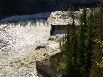 Louise Falls, Mackenzie Highway, Kanada