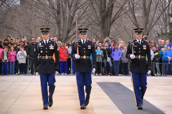 Wachablösung am Grab des unbekannten Soldaten, Arlington