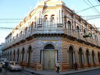 Tarija, Casa Dorado