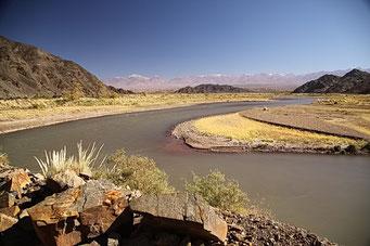 Schöne Flusstal