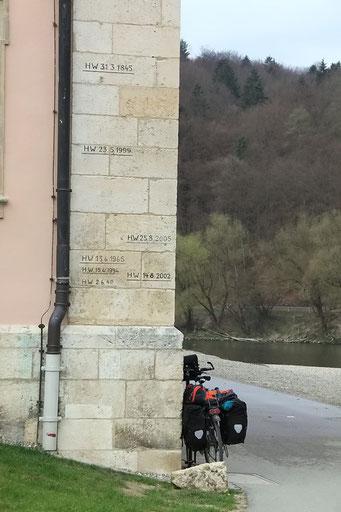 Hochwasserstände beim Kloster Weltenburg