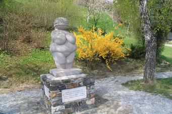 Venus von Willendorf (vergrössertes Replikat)