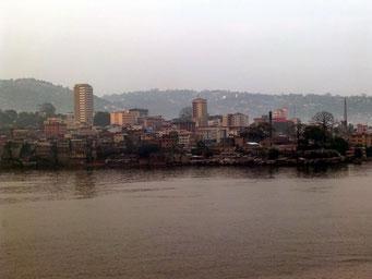 Das Stadtzentrum von Freetown    ©Marion&Alfred