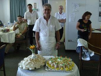 Raffaele mit seinem Torten-Werk