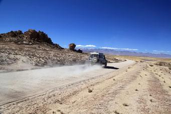 Oruru - Uyuni - Wellblech ohne Ende auf der Strecke