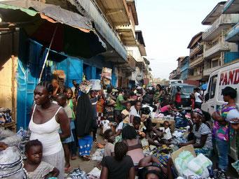 Markt in der Innenstadt    ©Marion&Alfred