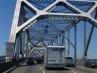 Fahrt über die Bay Bridge nach San Francisco