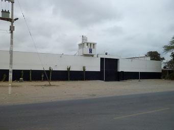 Firmenareal mit Wachturm