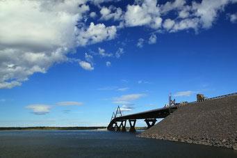 Neue Brücke über den Mackenzie River