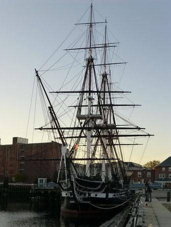 """Die """"Constitution"""" im Hafen von Boston, Massachusetts"""