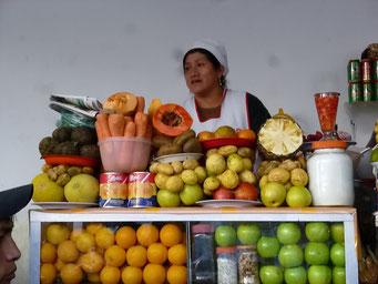 Markt - feine Fruchtsäfte bekommt man hier an jeder Ecke